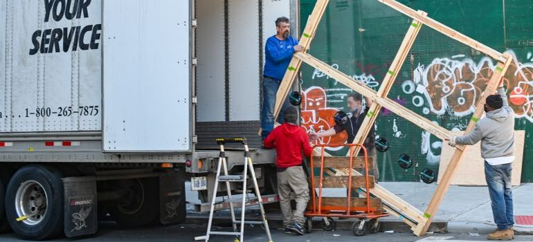 A professional movers taking the items into the truck