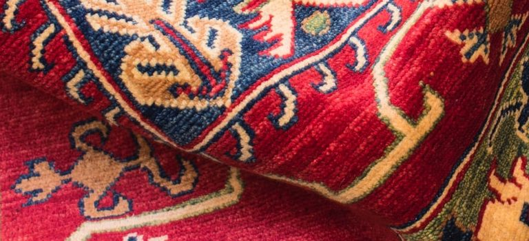 looking at the direction of the fiber before you pack and move rugs and carpets