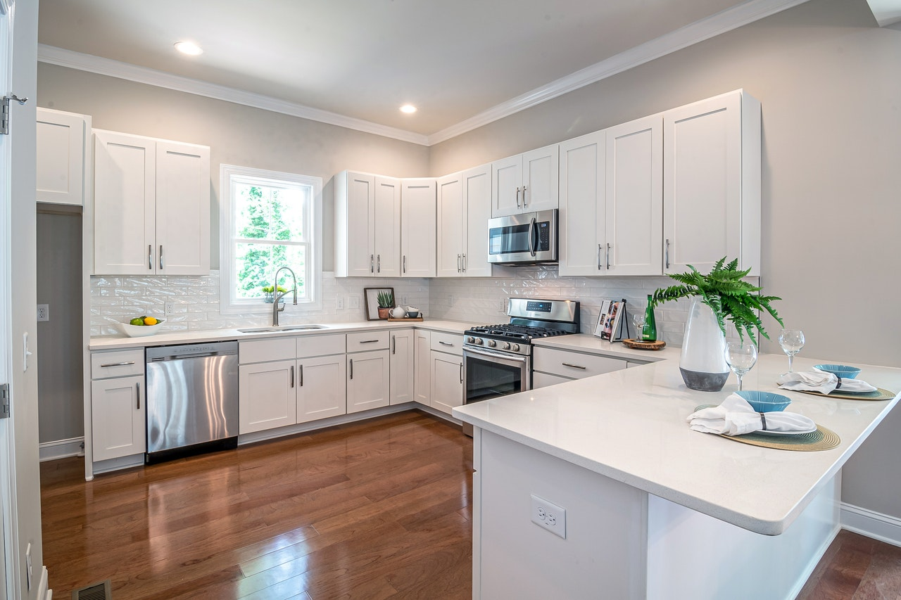 Fully equipped white kitchen